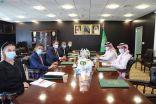 السفير آل جابر يلتقي بمنسق الشؤون الإنسانية للأمم المتحدة