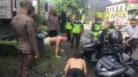 تمارين الضغط عقوبة سياح يتجولون بلا كمامة في بالي