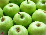 طبيب ينصح فئة من الأشخاص بعدم تناول التفاح الأخضر