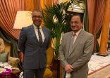 وزير التعليم يلتقي وزير الدولة للشرق الأوسط بالخارجية البريطانية خلال مشاركته في القمة العالمية للتعليم